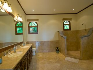 Playa Hermosa villa photo - Bathroom