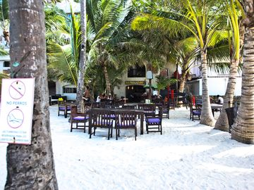 Bambuu Beach Restaurant