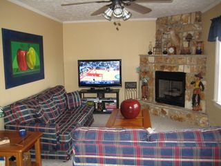 Maggie Valley house photo - Living room with HD TV & HD cable, gas fireplace