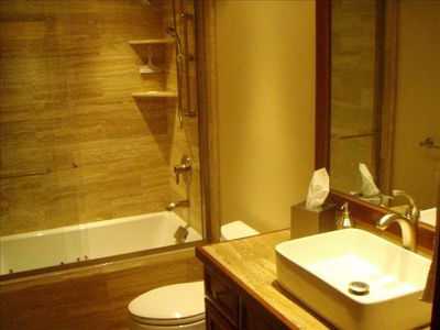 Teton Village condo rental - Main Floor Master Suite Bathroom With Deep Soaking Tub and Shower