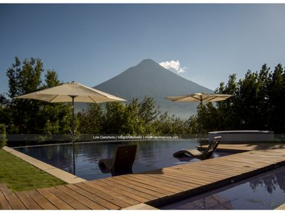 Private pool, Jacuzzi, Volcanoes, Oh did we me mention Golf! Pack Light, Relax!