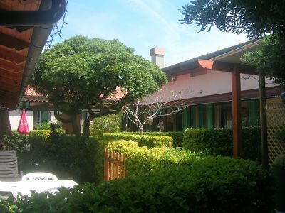 Seaside cottage with garden at 10 meters from the beach. wi-fi free
