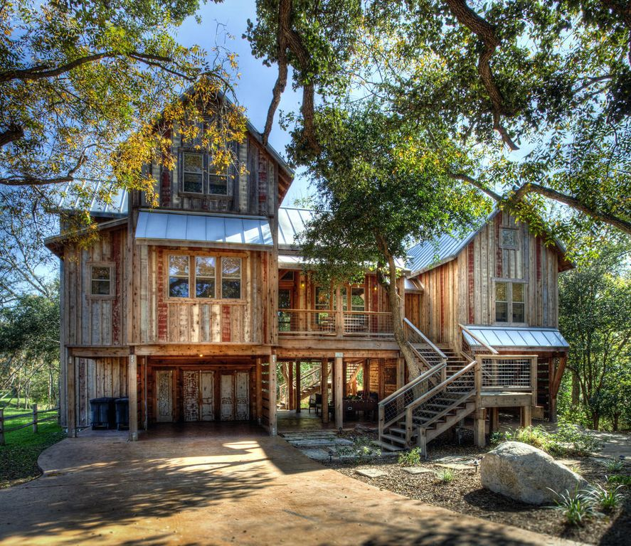 39 life is gruene 39 on the guadalupe river homeaway new braunfels Rental home design ideas