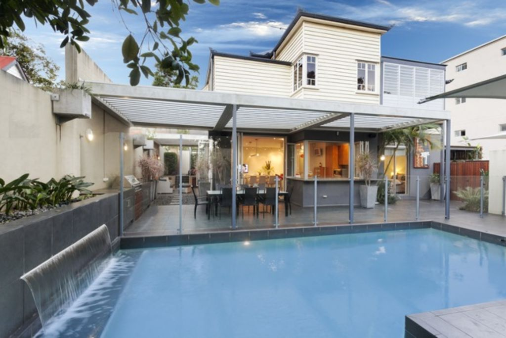 Brisbane 39 s best holiday home vrbo for Pool home show brisbane