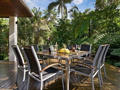 Port Douglas house rental - A meal or a cocktail on the rear deck surrounded by tropical vegetation