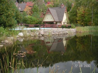 Pool poolhouse and lake