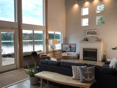 Modern Waterfront Home.  Indoor/Outdoor Living with Easy Beach Access & Boats