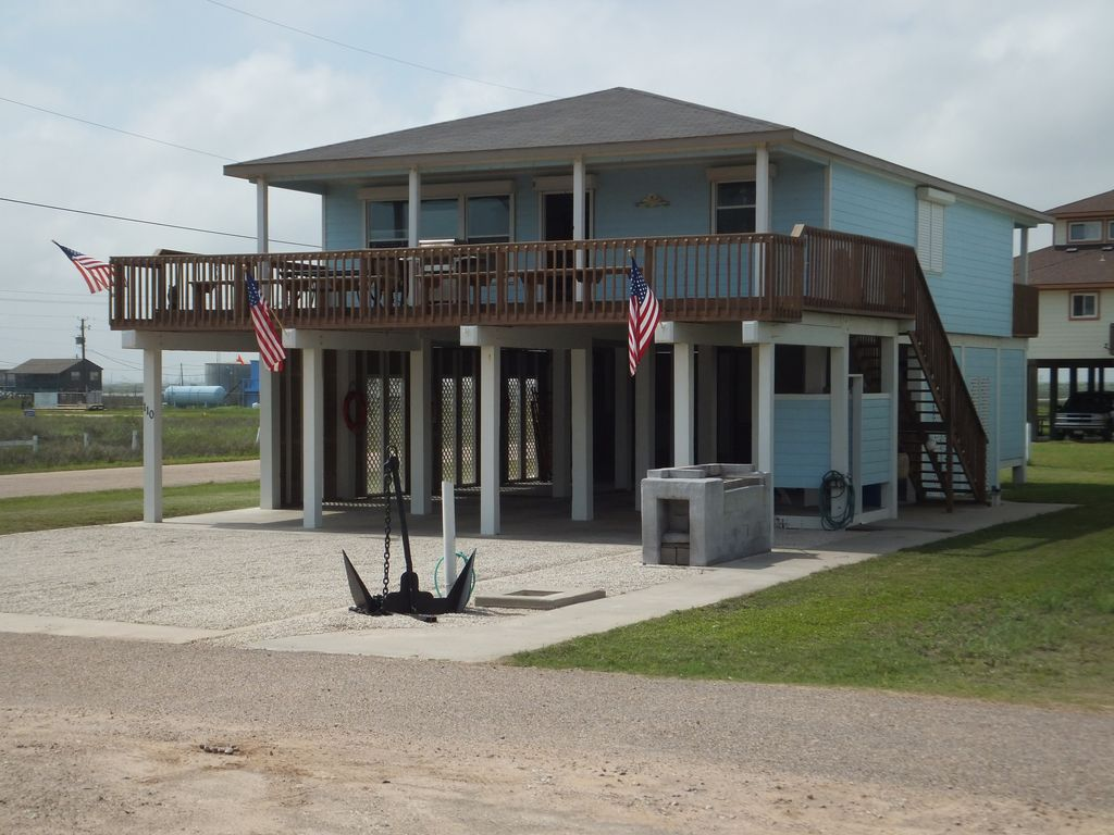 Easy living beach house with rv size parking vrbo for Easy living home