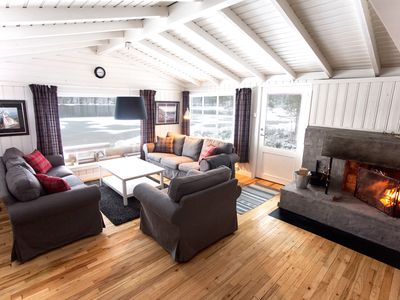 Light & Open Cabin With Rustic Throw-Backs