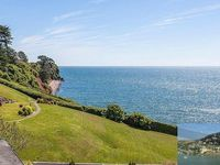 Frontline beach apartment Balcony and exceptional sea views Beach 100 metres!