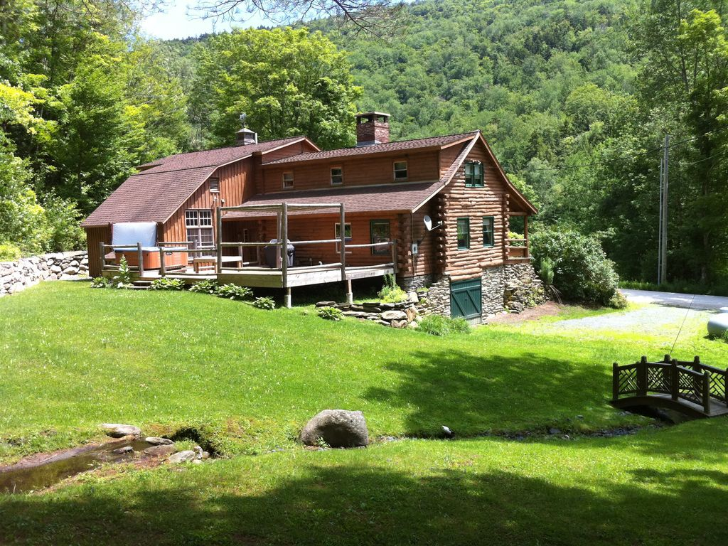 5 bedroom log cabin with hot tub in beautiful vrbo