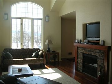 Open Living area with Plenty of Windows.