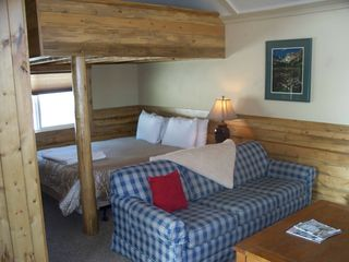 Estes Park lodge photo - Queen bed and loft in small cabin