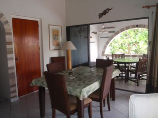 Bonaire house photo - Enjoy your meals indoor or out.