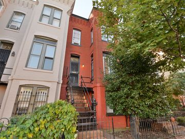 Capitol Hill house rental - Red Brick Front of Row House