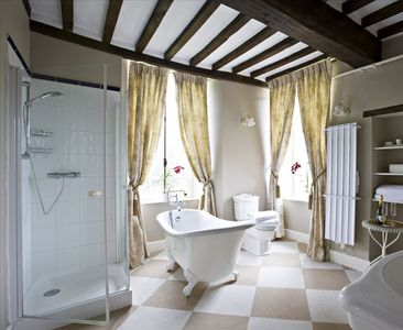 Bathroom of the Toile Suite