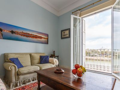Elegant and comfortable apartment for 7 people along the Guadalquivir