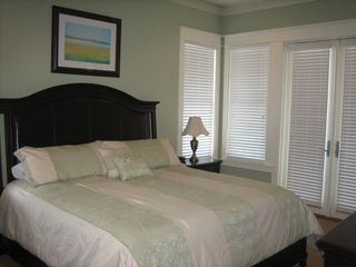 Inlet Beach townhome photo - East second floor king master bedroom with private balcony and bathroom