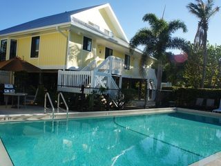 Sanibel Island condo photo - poolside