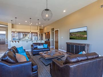 Scottsdale Troon house rental - gorgeous and spacious living room!