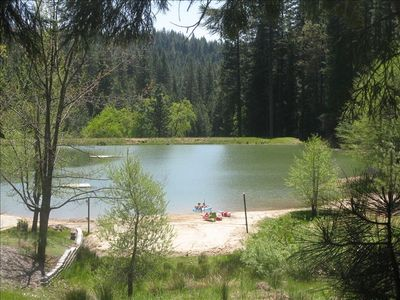 Blue Lakes Springs Private Lake-Swimming, Beach Vollyball, Frog Hunting & more..