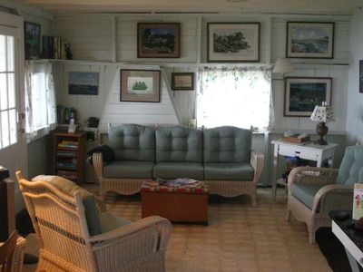 Mystic cottage rental - living room