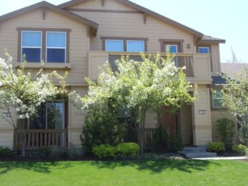 Bend townhome rental - Front view of 55 Taft, just above the Old Mill District