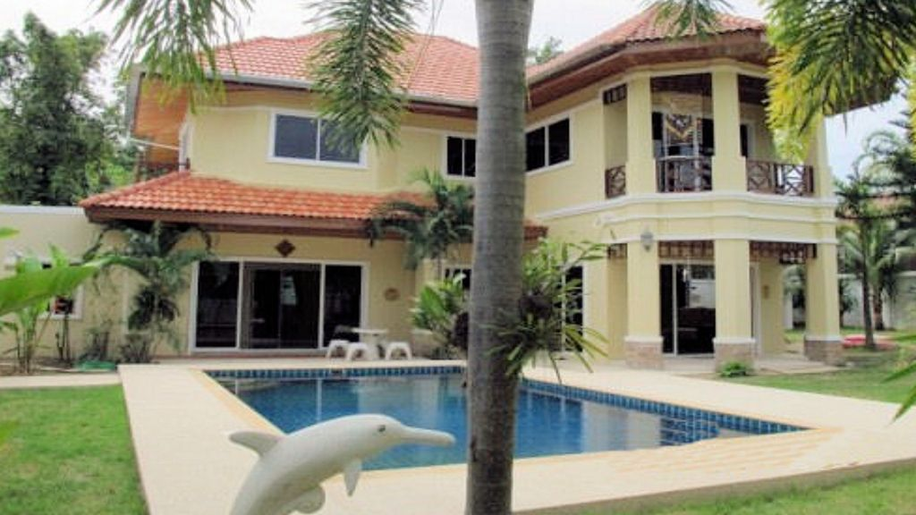 Relax in the Far East with your own villa