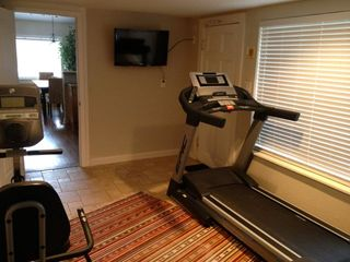 Lakeway cottage photo - Treadmill and recumbent bike with flat screen TV