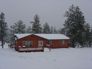 Custer house photo - Winters Lover's Paradise, Bring your Outdoor Toys
