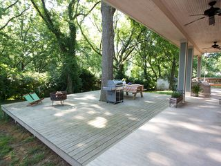 Nashville cottage photo - Plenty of room to enjoy a cookout with the grill and firepit!
