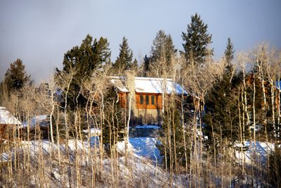 Quiet & private mature aspens & pines, only 300 yards to the Four Seasons Resort