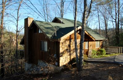 High Hopes II. Beautiful 4 bedroom cabin just minutes from Pigeon Forge Pkwy