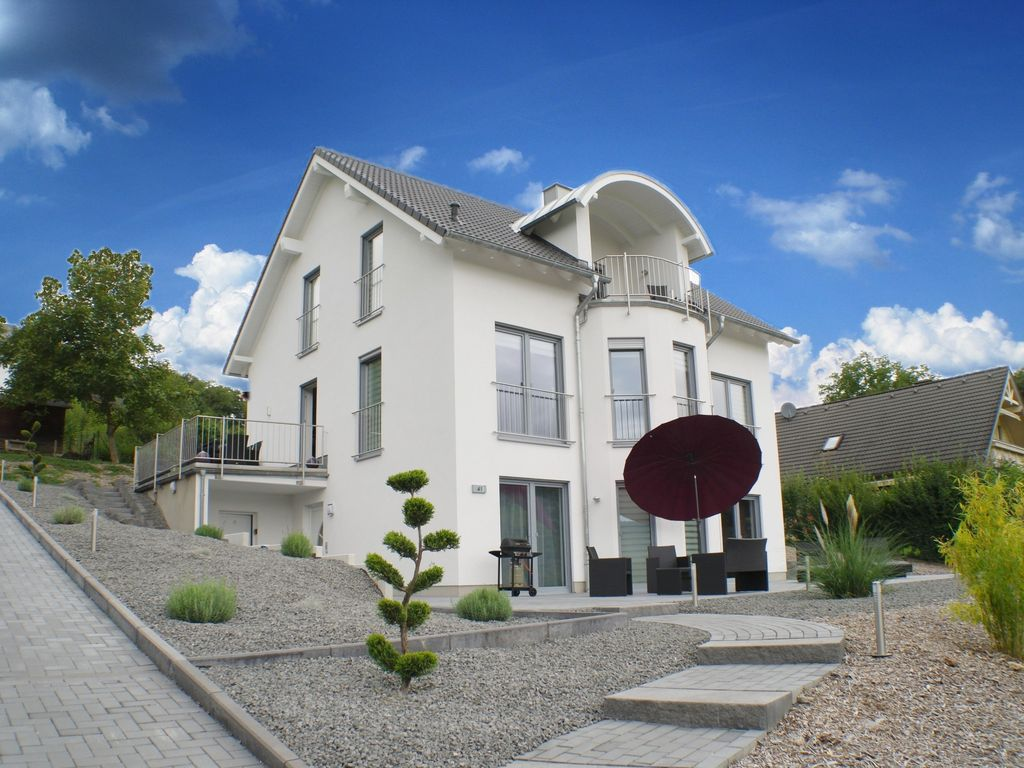 Modern apartments overlooking the Moselle... - HomeAway Koppelberg