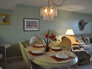 New Smyrna Beach condo photo - Dinning Area