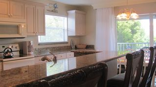 Sanibel Island condo photo - large granite breakfast bar