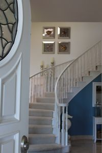Half Moon Bay estate rental - Walking in the front door, staircase