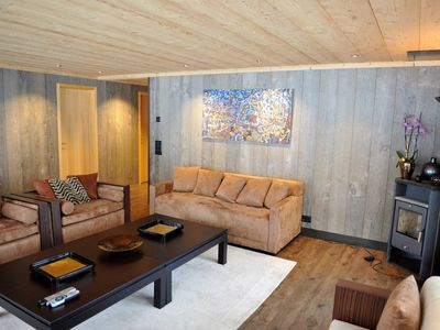 Luxurious Modern Flat just next to famous Gstaad - Three Bedroom Apartment, Sleeps 6