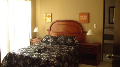 Master w/King size bed-pic to be updated ensuite, ceiling fan & air conditioned