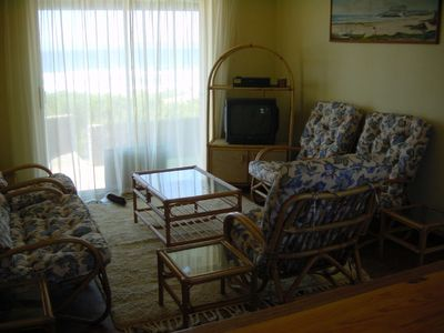 Plettenberg Bay house rental - The living room with TV