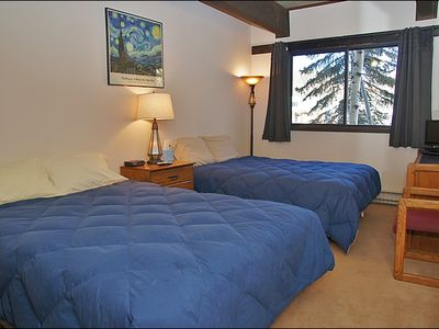 Steamboat Springs condo rental - Bedroom 2 - 2 Full Beds, HDTV