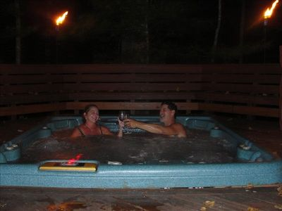 Enjoy the 7 person Hot Tub!