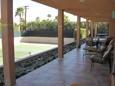 Palm Desert house rental - Another view of back patio - lighted ping pong table is at far end of patio