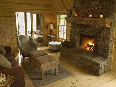 Cozy Living Area & Fireplace
