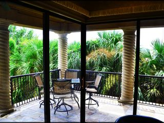 St. Tropez Destin villa photo - Enjoy tropical surroundings and a lush environment