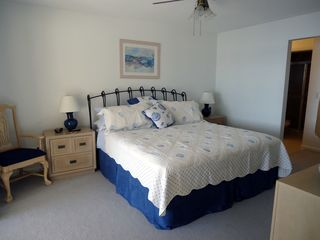 Cape Coral villa photo - Master bedroom with king size bed. HDTV/DVD. Fabulous lake and pool view.