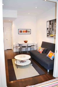 Upper East Side apartment rental - livingroom