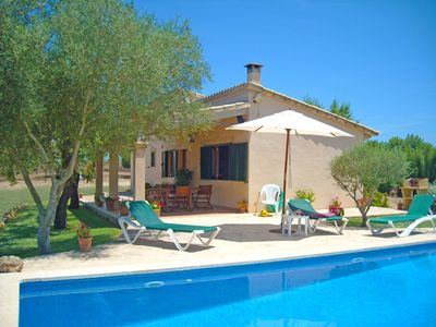 Country house with private pool and panoramic views and accessible