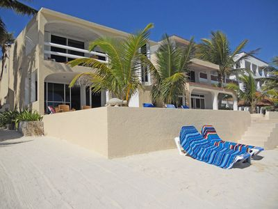 Beach front Condo half Moon Bay in North Akumal