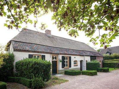 Beautiful and historical Brabant farmhouse with large garden in the beautiful Leende